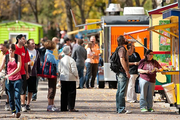 Food carts on Library Mall